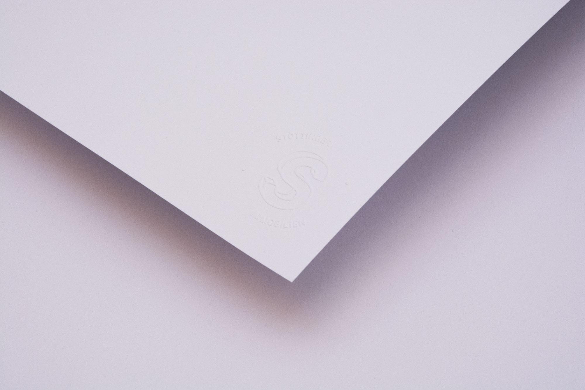 Geprägtes Briefpapier